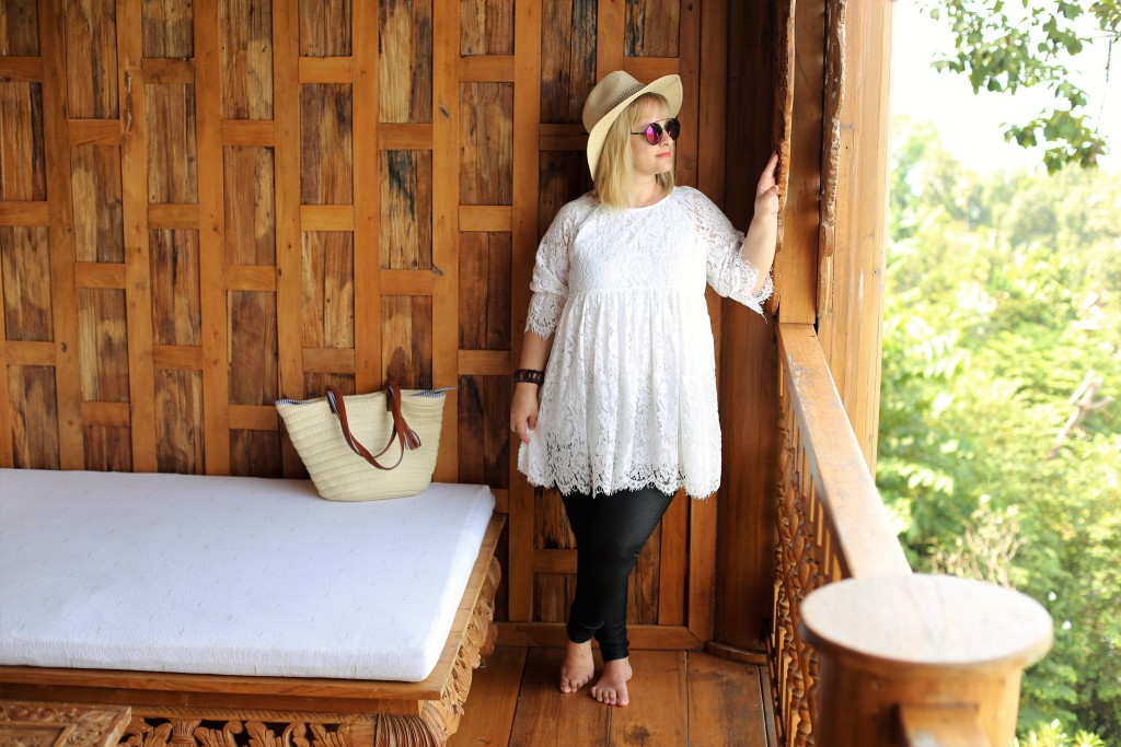 GLAMADVENTURE LACE TOP4